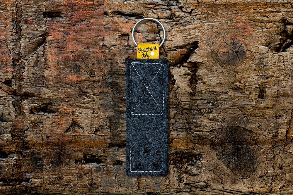 Naturfilz Schlüsselanhänger mit Duftfunktion anthrazit